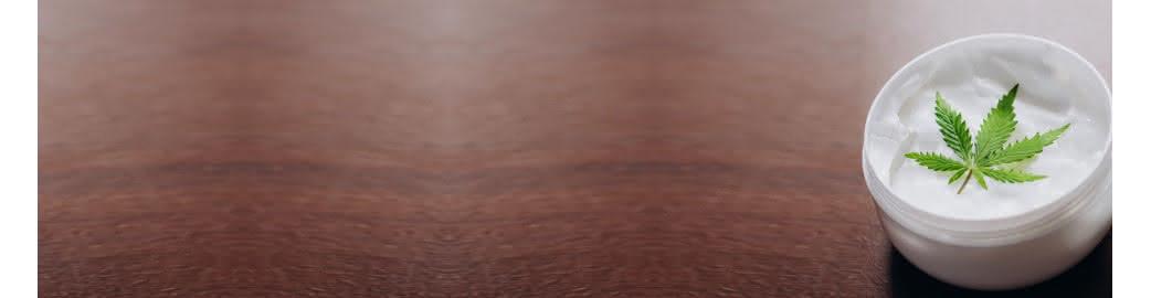 Kosmetyki z CBD do kąpieli - żel z olejem konopnym, płyn, sól